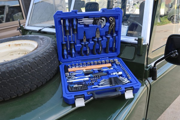 "1/4"" & 1/2"" universal toolbox 98-parts"
