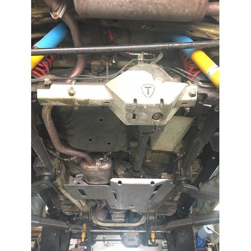Underride protection TREKFINDER for SUZUKI Jimny 2 type GJ DISTRIBUTION TRANSMISSION from 8 mm aluminum