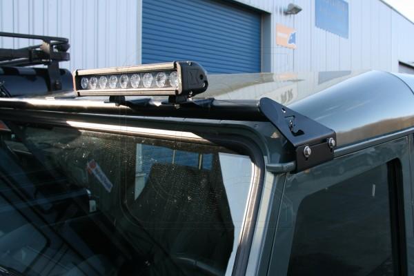 Nakatanenga Lampenbügel für Land Rover Defender, mit 2 LED Fernscheinwerfern leistenförmig