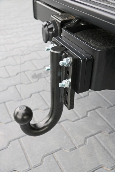 Tow ball 3,5t lowered, incl. 2- to 4-hole-adapter