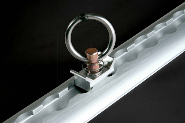 Single stud fitting for airline cargo rails
