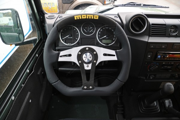 Defender MOMO steering wheel